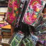 【バンコクのお土産情報】モン族のポーチなどの雑貨を買うならウィークエンドマーケットがおすすめ