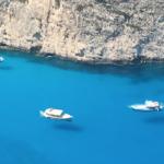 ランペトゥーザ島に行かなくても見れる!ギリシャのナヴァイオビーチで飛んでいる船が見れます!